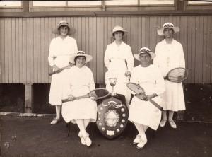 winnaars vijf vrouwen